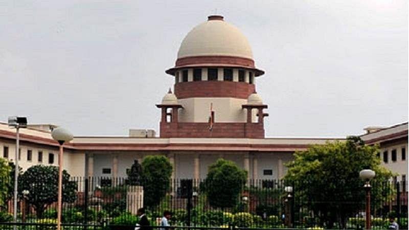 Supreme Court asks Justice Karnan to respond on contempt notice