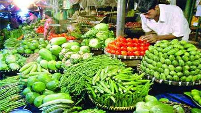 Pest attack, rains worsen Maharashtra agriculture crisis