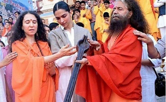 Deepika Padukone visits Parmartha Niketan in Uttarakhand