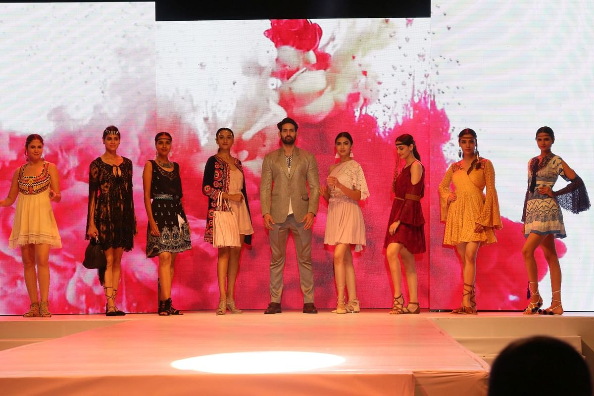 IVANA 2017 Fashion Show: Style Moguls and spectacular themes sparkled in Mumbai