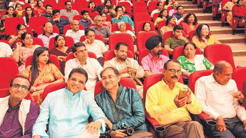 Indore: Doctors prove their mettle in music, singing