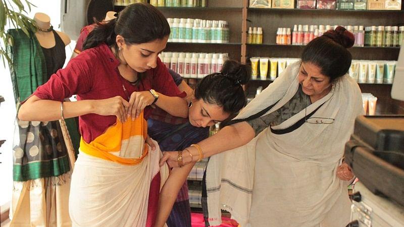The Handloom School: Rta Kapur Chishti decodes the sheer elegance of six yard Saree