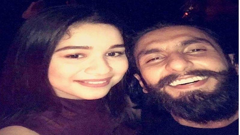 Sachin Tendulkar's daughter Sara's selfie with Ranveer goes viral on the internet