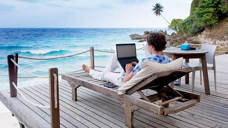 The digital nomad: The new way to work