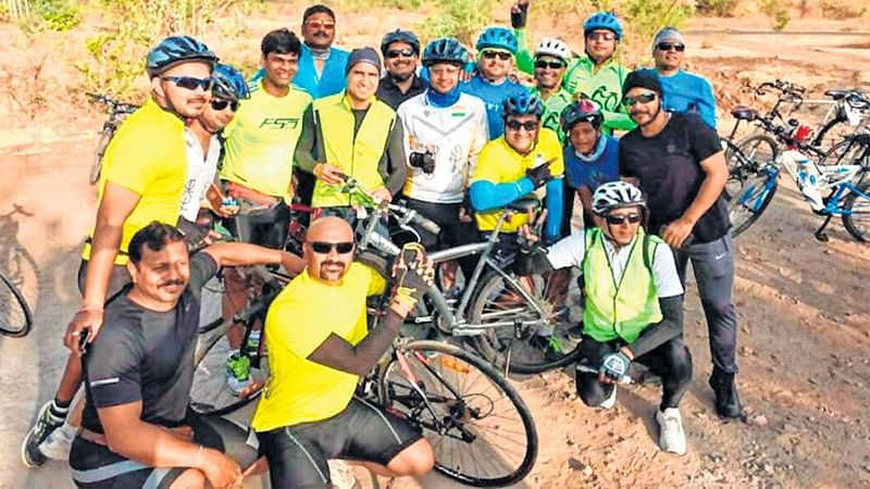 Indore: 25 enthusiasts from city pedal to Bercha lake to encourage cycling