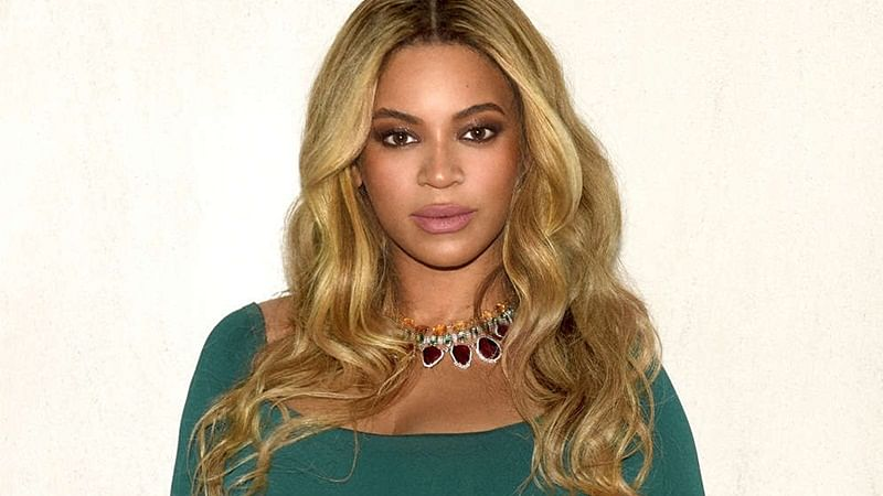 Beyoncé announces scholarships for young women