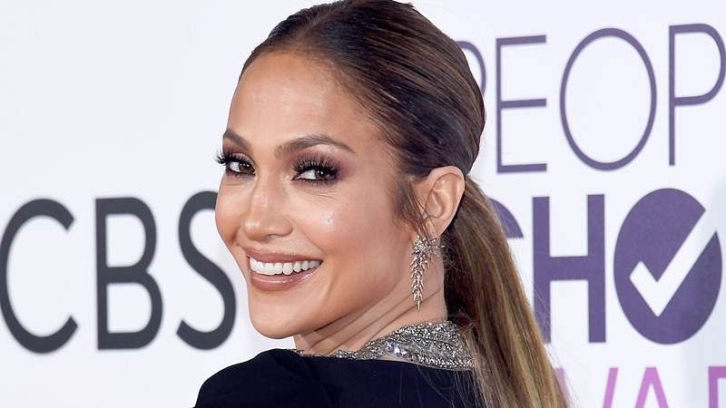 JLo introduces new beau to her mother