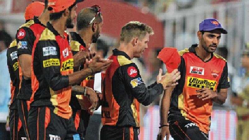 IPL 10: Consistent Hyderabad vs Desperate Delhi