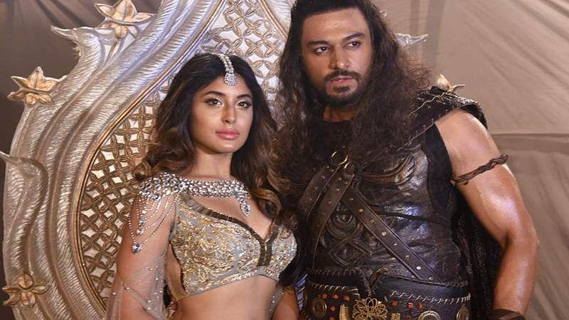 Gaurav promises more 'steamier scenes' with Kritika on TV