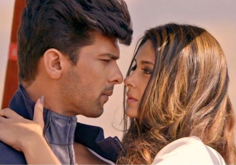 'Beyhadh' special: Kushal Tandon's birthday surprise for Jennifer Winget is too cute
