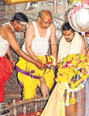 Ujjain: Thousands of devotees throng Mahakal city on Nagpanchami