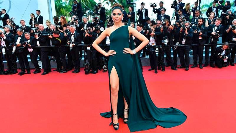 Deepika Padukone gets a thumbs up from Lady Gaga