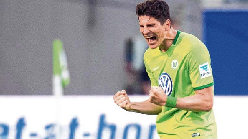 Wolfsburg defeat Braunschweig in Bundesliga relegation playoff