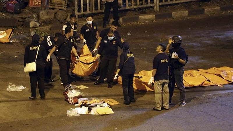 Suspected suicide bombs in Jakarta kills 3 policemen