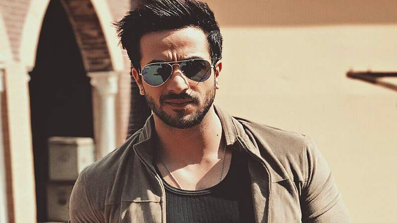 Aly Goni's juggling act
