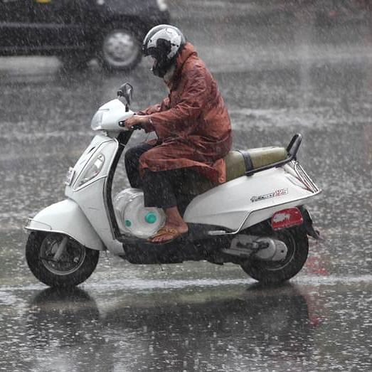 Mumbai Rains Live Updates: Western Express Highway blocked at Makar