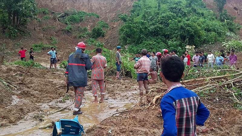 Rain forces Kumaraswamy to shorten Karnataka village stay