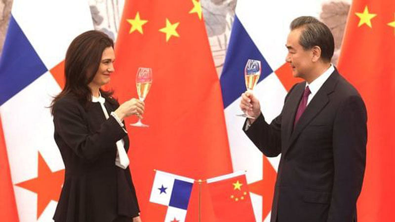 In diplomatic coup, Beijing establishes ties with Panama; major blow to Taiwan