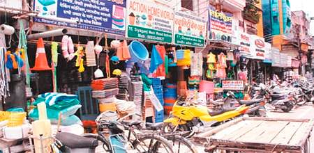 Indore: Bandh evokes little response in city