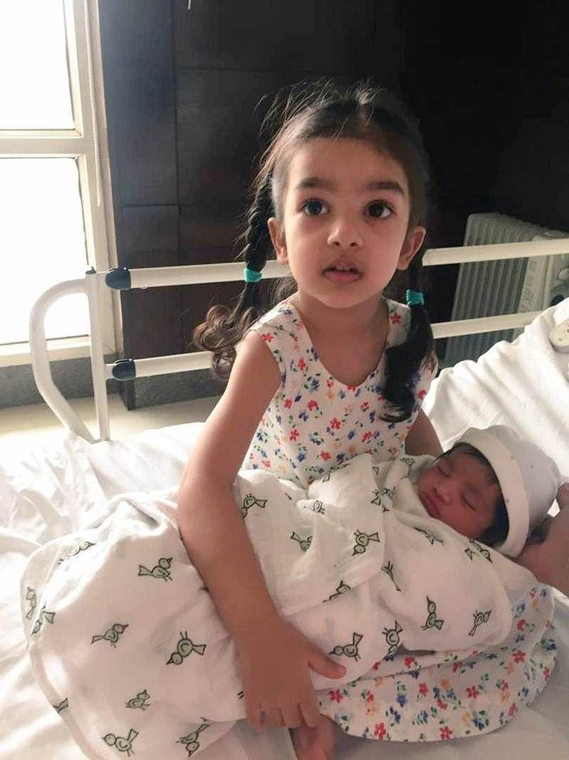 Cute Pic: Dad Gautam Gambhir's first daughter holds newborn Anaiza in her arms