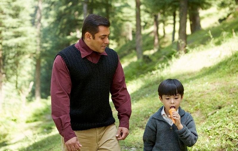 Main aur mera matin: Salman Khan shares still from `Tubelight`