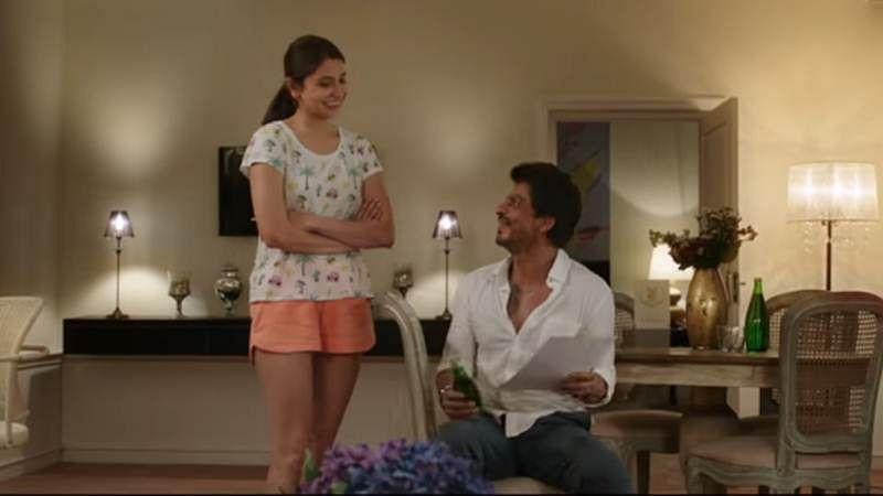 'Jab Harry Met Sejal' mini trail 2: Anushka shocks Shah Rukh with 'sexual interaction'
