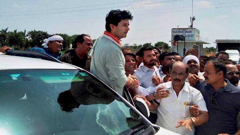 Farmers Protest: Congress leader Jyotiraditya Scindia arrested enroute to Mandsaur