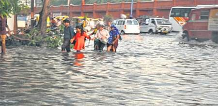 Indore: Short spell wreaks hell