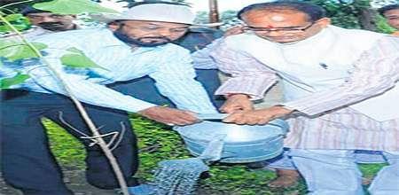 Bhopal: Vrikshamitra: The man who has planted over 1.6L saplings