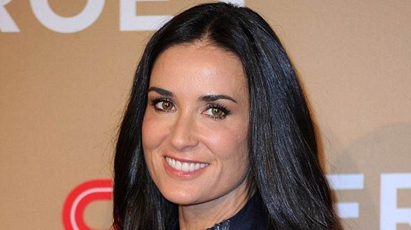 Demi Moore loses her teeth to stress