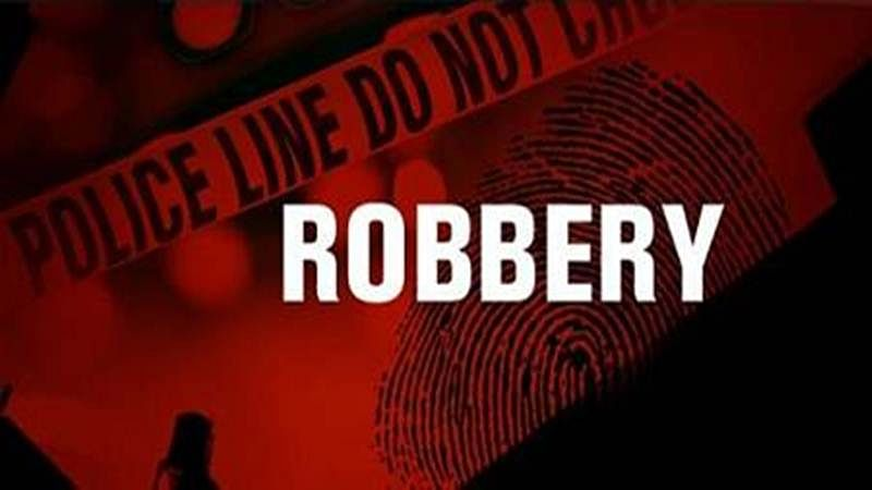 Indore: Robbers target engineer's house  in Omaxe Hill, make out with cash and valuables injuring three persons