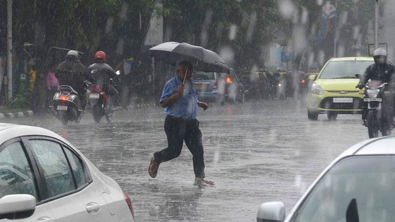 Mumbai: Incessant rains lash city, heavy showers likely to continue today