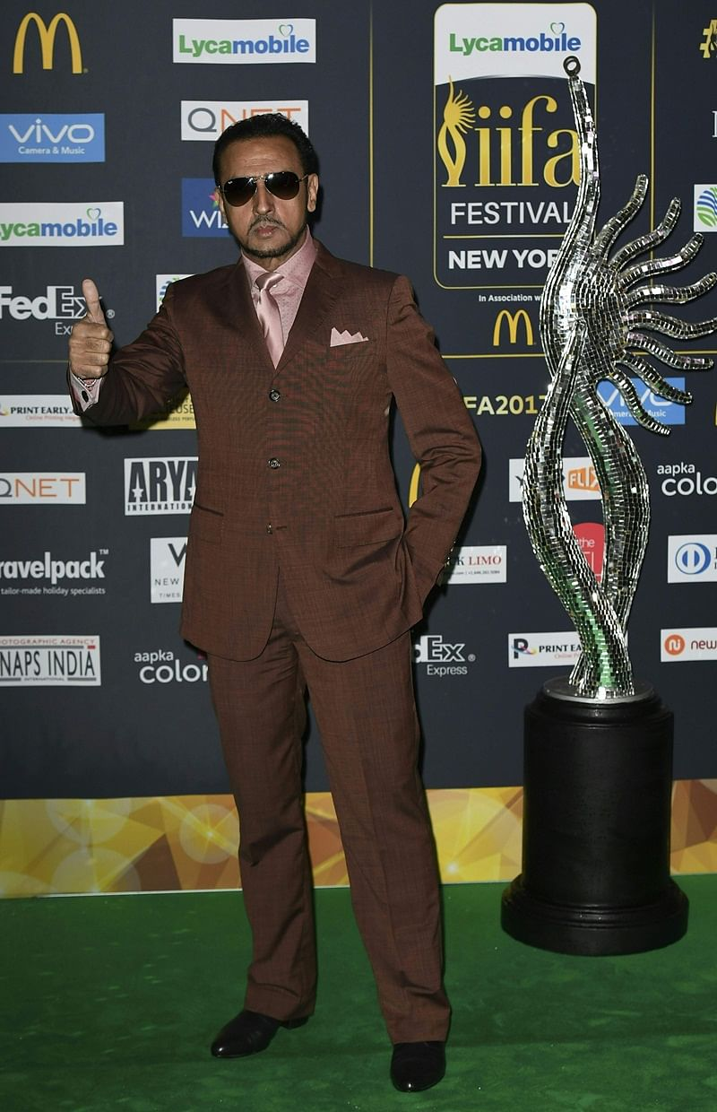 Bollywood actor Gulshan Grover arrives for IIFA Rocks July 14, 2017 at the MetLife Stadium in East Rutherford, New Jersey during the 18th International Indian Film Academy (IIFA) Festival. / AFP PHOTO / ANGELA WEISS