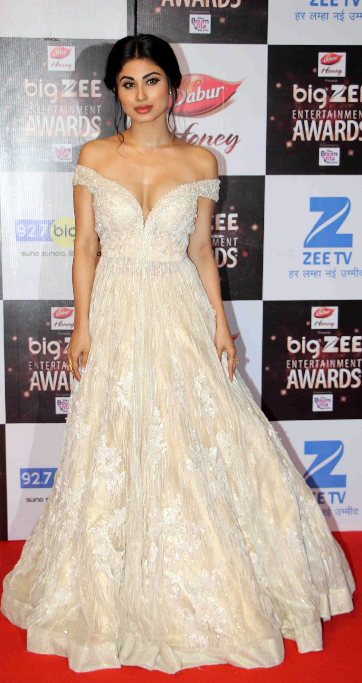 In this photograph taken on July 29, 2017, Indian Bollywood actress Mouni Roy attends the BIG ZEE Entertainment Awards 2017 ceremony in Mumbai. / AFP PHOTO / STR