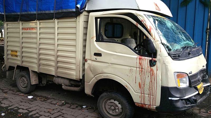 Mumbai: Milk supplier dies as tempo crashes into speeding BMW at Vile Parle