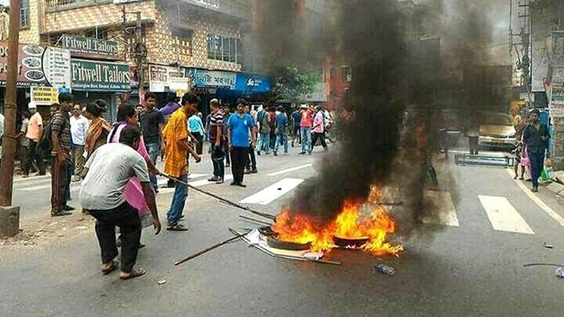 Communal violence in Bengal over Facebook post, Centre rushes paramilitary troops