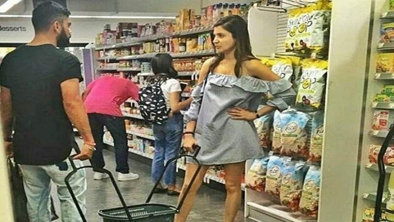 LOL! Virat-Anushka's shopping memes are just too hilarious