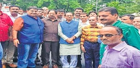 Indore: BEd college directors meet CM, raise sorry state of admission