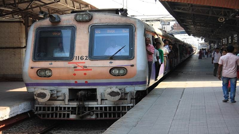 Mumbai: Railway guard misses train while trying to stop a thief, says no security personnel was around to help