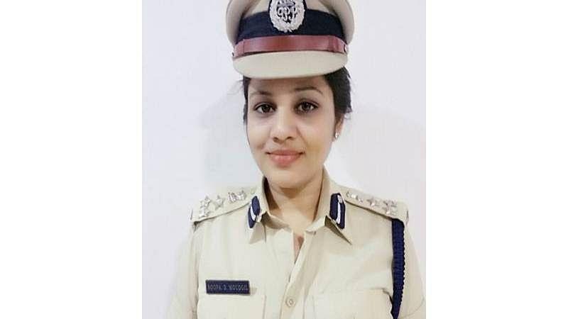Sasikala jail bribery case: D Roopa served notice