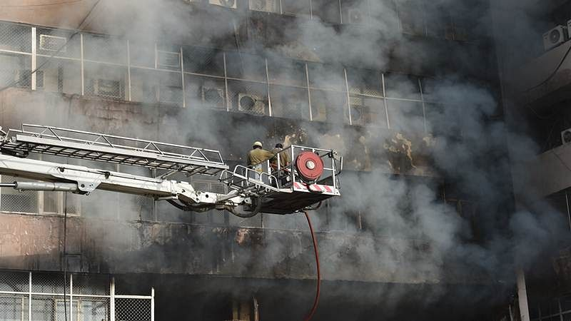 Major fire at Lok Nayak Bhawan in Delhi, 26 fire tenders at spot