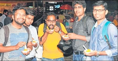 Indore: Foodie Corner Must have Indore delicacies on a rainy day