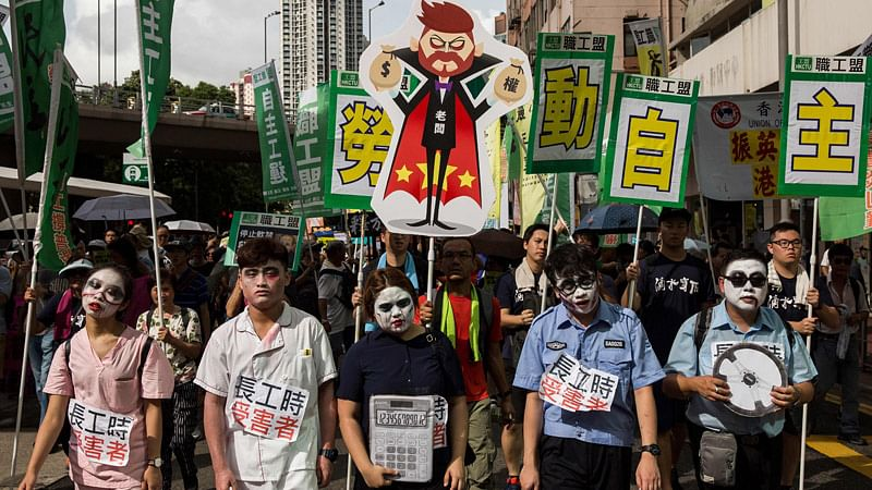 Hong Kong averts airport protest with security blitz