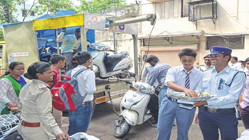 Indore: About 40 school students fined for driving without license