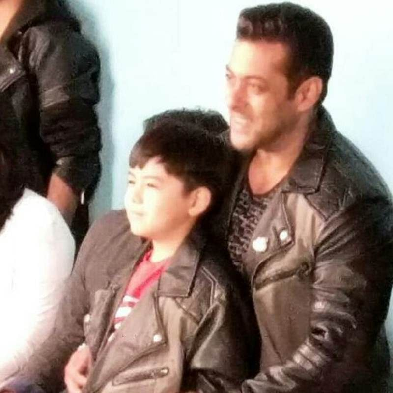 OMG! Salman and Matin Rey Tangu pose for the cameras wearing similar jackets!