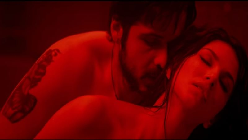 'Baadshaho': Emraan Hashmi, Sunny Leone are sizzling hot in new song Piya More