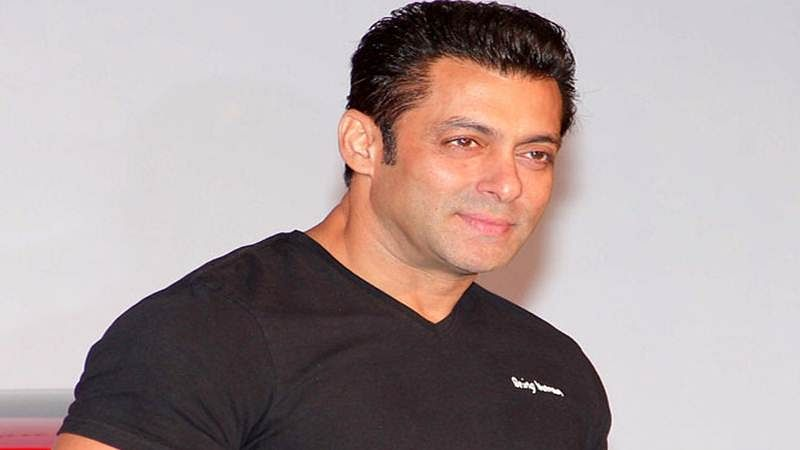Here are the details of Salman's cameos in SRK's next and Judwaa 2