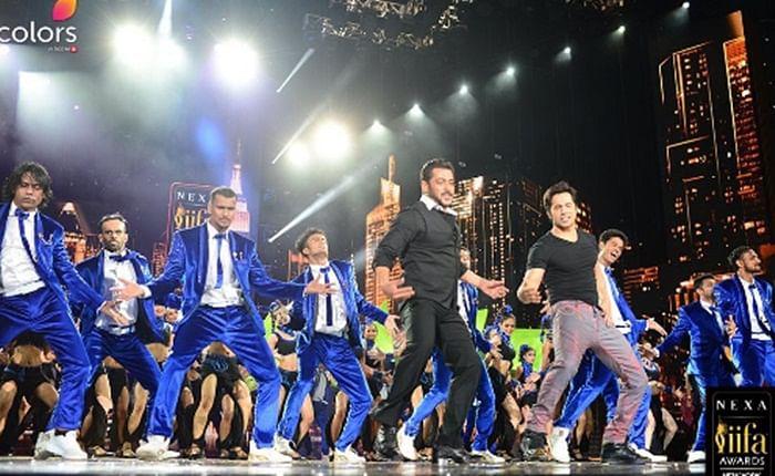 WATCH: Salman Khan and Varun Dhawan set the stage on fire with 'Tan Tana Tan' at IIFA 2017
