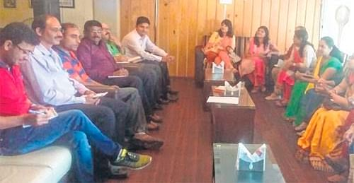 Indore: Teachers enlighten students on contemporary economic issues