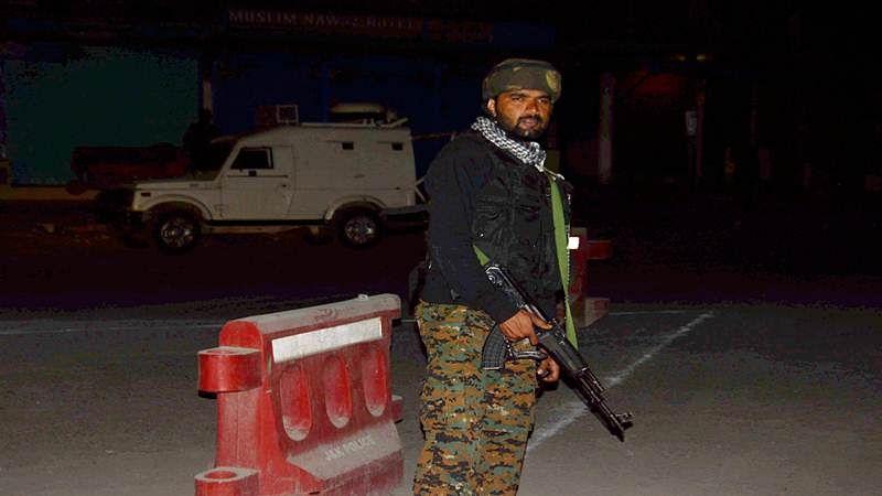 Encounter breaks out in Kashmir's Budgam